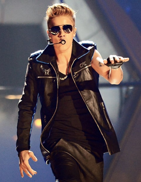 bieber performing at billboards