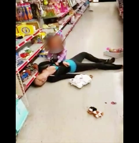 Video shows mom overdosing in toy aisle