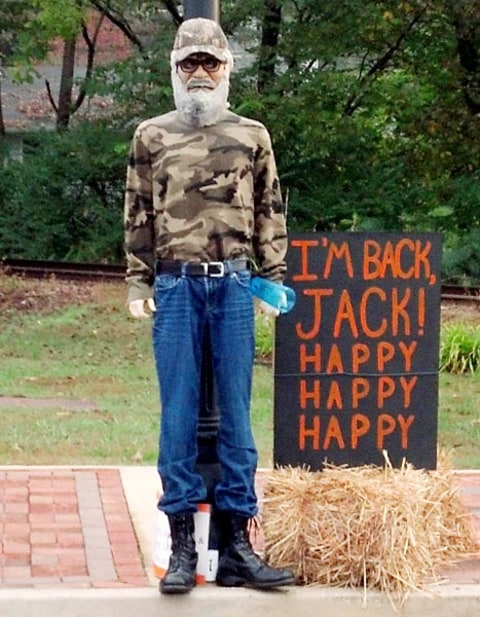 duck dynasty new scarecrow