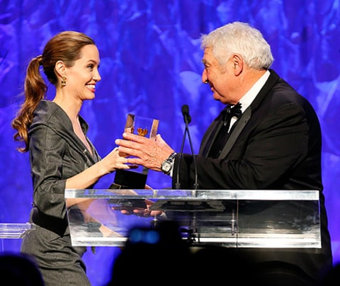 angeline jolie presents award