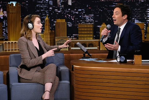 Emma Stone and Jimmy Fallon play the singing Whisper Challenge.