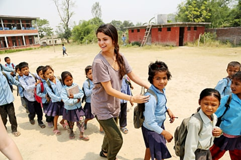 selena with kids in nepal