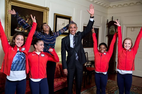 Laurie Hernandez, Michelle Obama, Barack Obama, Simone Biles, Aly Raisman and Madison Kocian