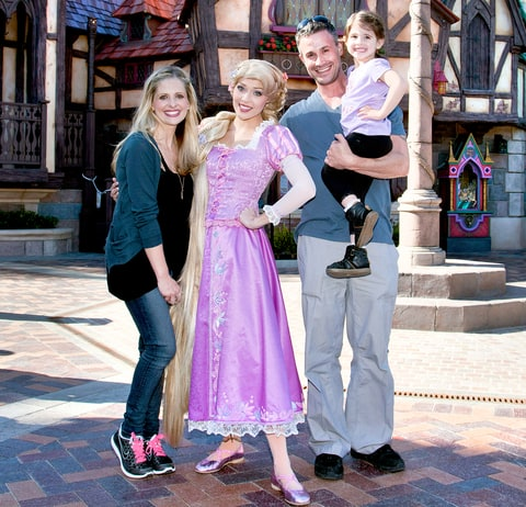 Sarah Michelle Gellar, Freddie Prinze Jr. and their daughter Charlotte, 3, meet Rapunzel at the all-new
