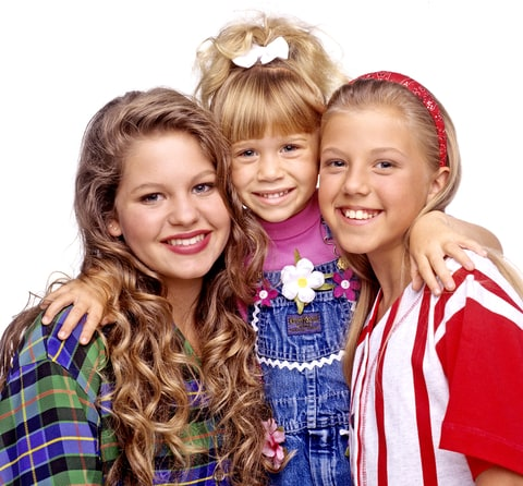 Candace Cameron (D.J.), Mary Kate Olsen (Michelle), Jodie Sweetin (Stephanie) in Full House.