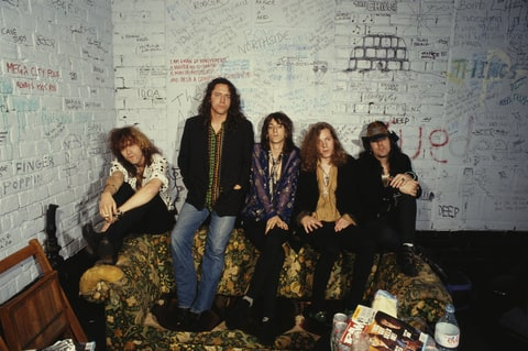 American rock band The Black Crowes, circa 1993. L-R: Jeff Cease, Steve Gorman, Chris Robinson, Rich Robinson, Johnny Colt.