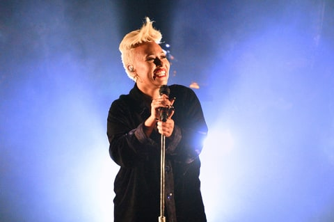 Emeli Sande performs on stage at St John-at-Hackney Church on October 6, 2016 in London, England.