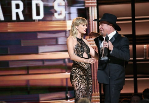Garth Brooks, CMA Awards, Taylor Swift
