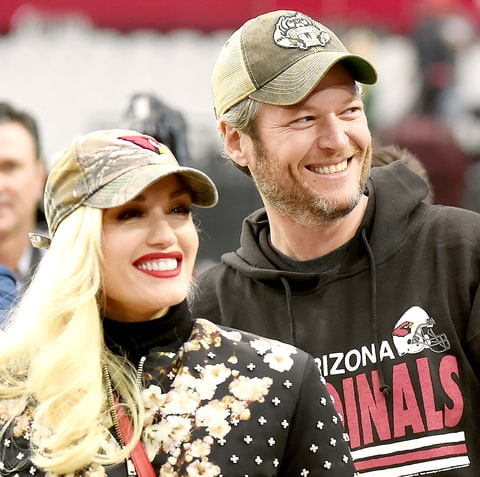 Gwen Stefani and Blake Shelton attend the NFL game between the Green Bay Packers and Arizona Cardinals at University of Phoenix Stadium on December 27, 2015 in Glendale, Arizona.