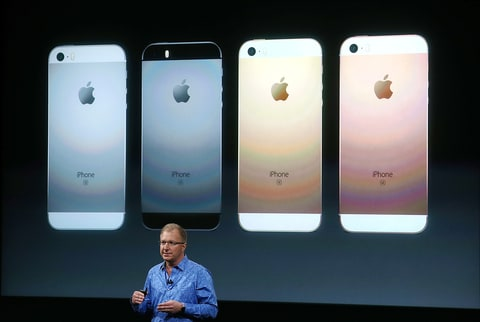Apple VP Greg Joswiak and the iPhone SE