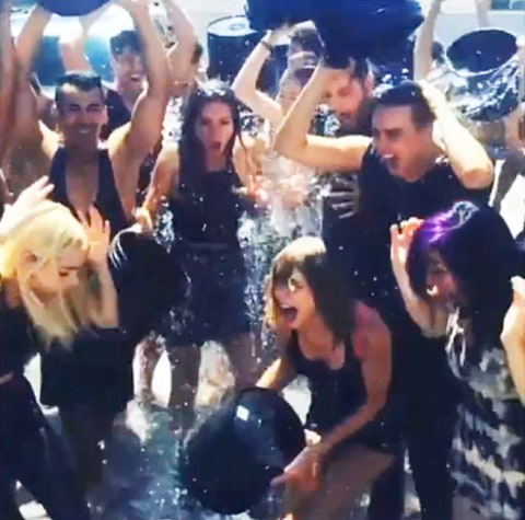 jaime king and taylor swift als challenge