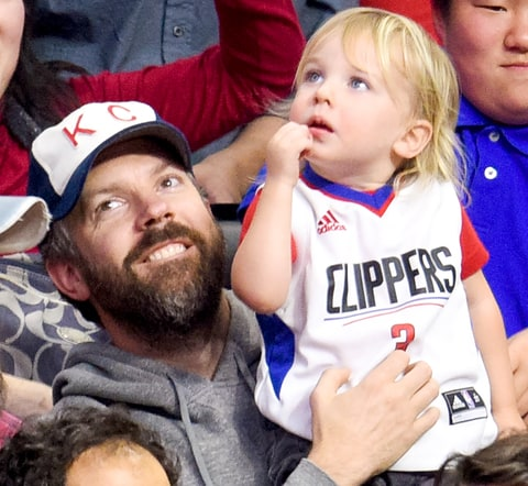 Jason Sudeikis and his son Otis Sudeikis attend a basketball game between the Chicago Bulls and the Los Angeles Clippers at Staples Center on January 31, 2016.