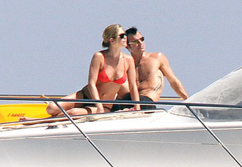 aniston theroux boat