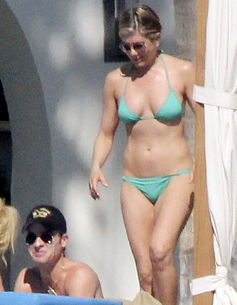 jennifer aniston green bikini