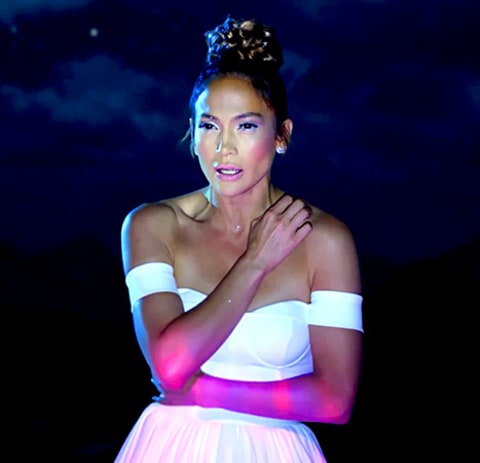 Jennifer Lopez - Feel the Light (topknot braid)