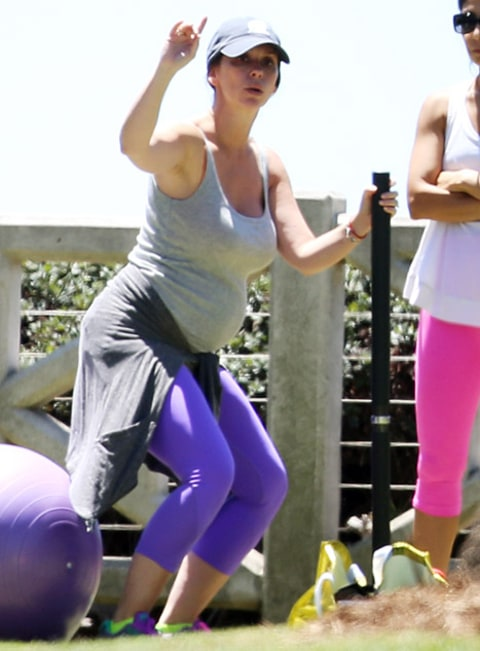 jennifer love hewitt exercising