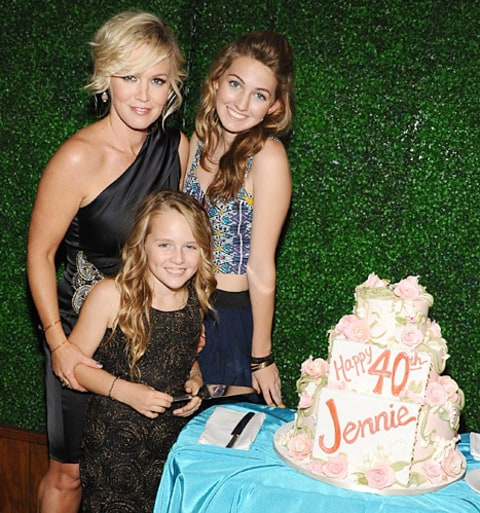 Jennie Garth with her daughters