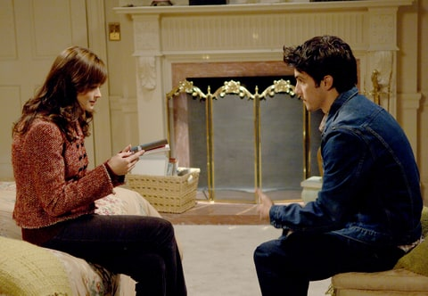 Alexis Bledel and Milo Ventimiglia in Gilmore Girls.