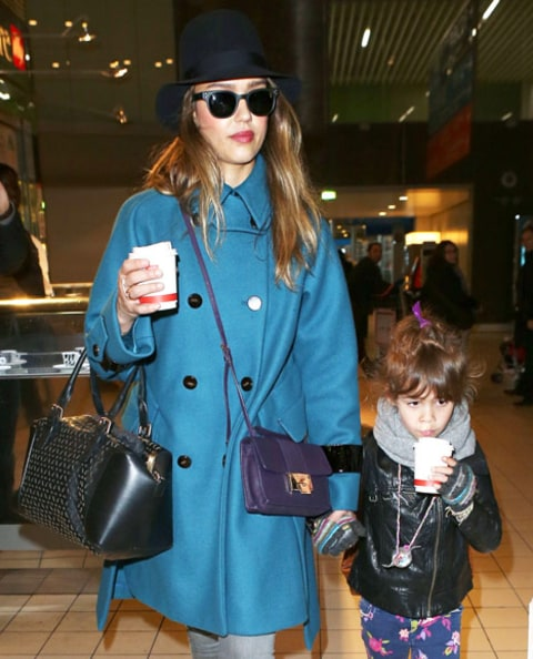 jessica alba and honor with coffee