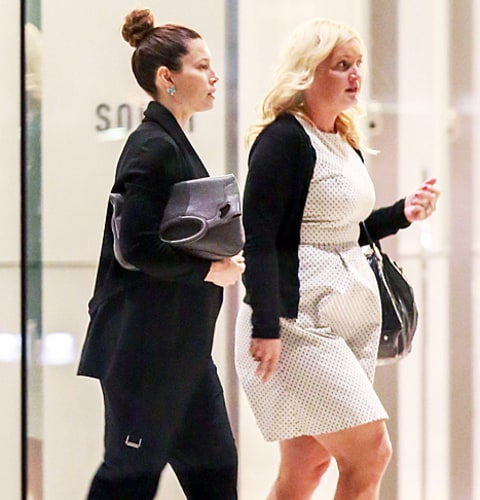 jessica biel bump with assistant