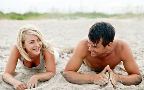 julianne hough josh duhamel sand