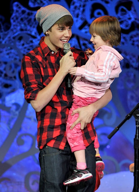 justin bieber and sister