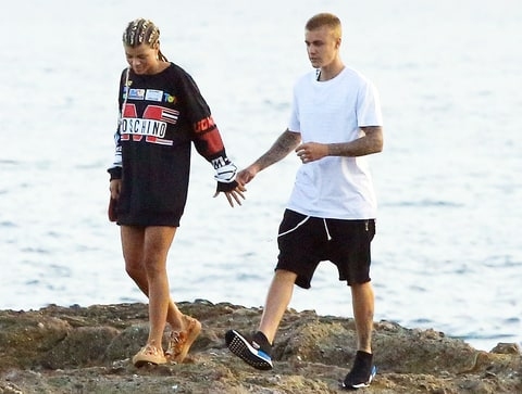 Couple Alert? Justin Bieber and Sofia Richie Jet Off to Japan Together