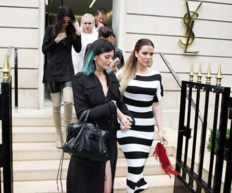 kylie and khloe holding hands