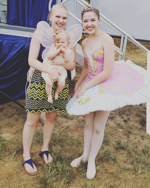 Baby S Reaction To Meeting A Ballerina Will Melt Your
