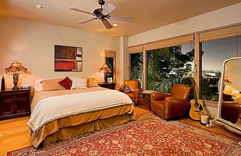 Kstew bedroom