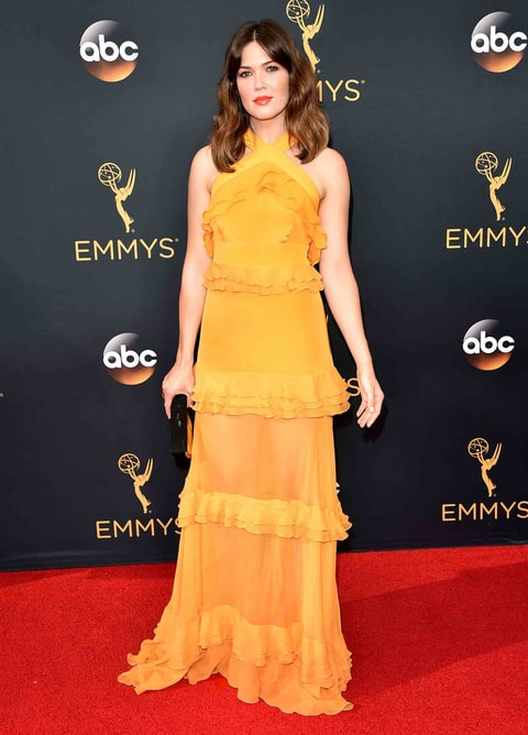 Emmys 2016 Red Carpet Hair Copy Mandy Moore S Updated