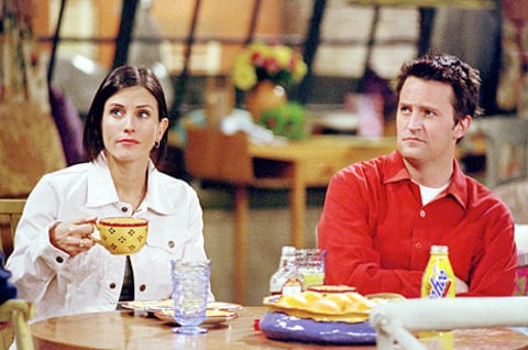matthew perry courteney cox friends