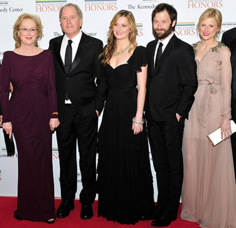 Mamie, Grace Gummer Look Just Like Mom Meryl Streep at a ...