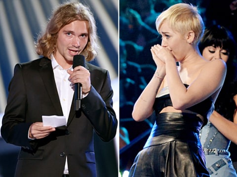 miley cyrus crying during jesse's speech