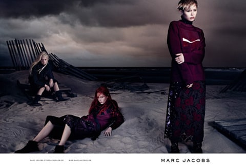 miley marc jacobs standing