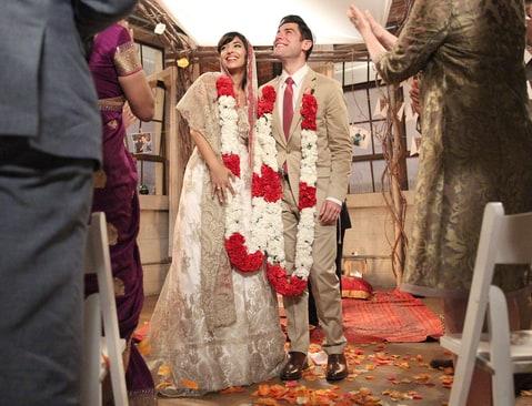 celebrity style news cece schmidt marry girl wedding dress details