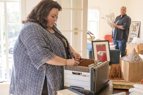 (l-r) Chrissy Metz as Kate, Chris Sullivan as Toby