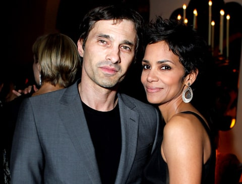 halle and olivier ring article