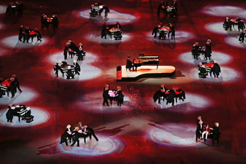olympics closing ceremony pianos