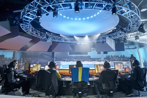 Overwatch Arena and Competitors at Blizzcon 2016