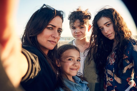 Pamela Adlon 'Better Things' olivia edward hannah alligood mikey madison fx