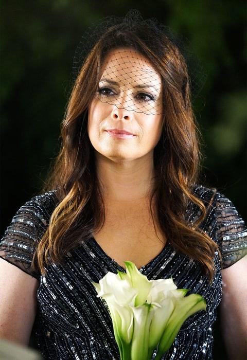Details On Ella S Non White Wedding Dress On Pll Us