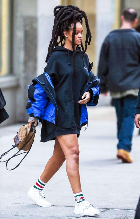 Rihanna Pairs 1 2k Hoodie With 1 9k Backpack In Nyc Us Weekly