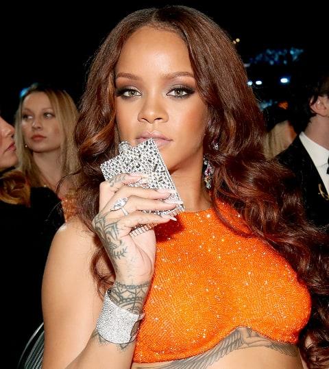 Grammys 2017 Best Gifs Rihanna S Flask Dancing Carpool