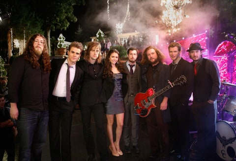 The Cast of Vampire Diaries on set with the band, My Morning Jacket