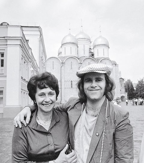 Elton John; Russia; Moscow; Mother