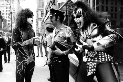 Kiss; Destroyer