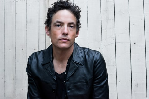 Tips: Jakob Dylan, 2018s dressy hair style of the cool talented  musician