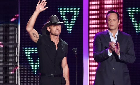 Tim McGraw wins Video of the Year