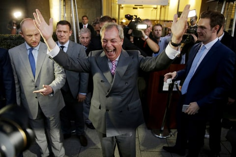 Brexit Nigel Farage Celebrate Pass Referendum